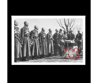 Открытка премиум, 100х150 мм. Христосование Государя Императора Николая II с конвойцами